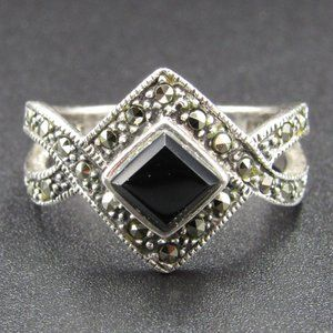 Size 7.75 Sterling Onyx Stone & Marcasite Ring